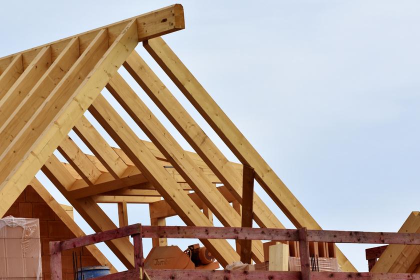Nyáron hűvös tetőtér, télen alacsony fűtésszámla: ezért fontos a jó hőszigetelés