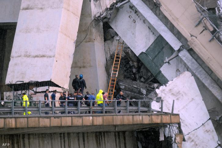 A tragédiát a hatvanas években épült híd szerkezeti hibái okozhatták.