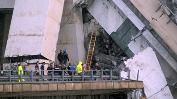 Az olasz kormánypárt korábban gyerekmesének minősítette a híd miatti aggodalmakat