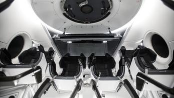 Az utolsó simításokat végzi a SpaceX az űrhajóján