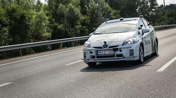 Az önvezető autó találkozása a BMW-s gyorshajtóval
