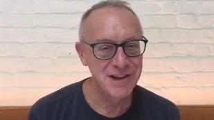 Jeff Baron videón üdvözli a súlyos beteg Székhelyi Józsefet