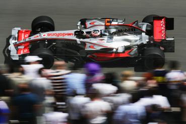 20074-ben jött egy év McLaren Lewis Hamilton mellett, akkor épp króm színekben futott a csapat.