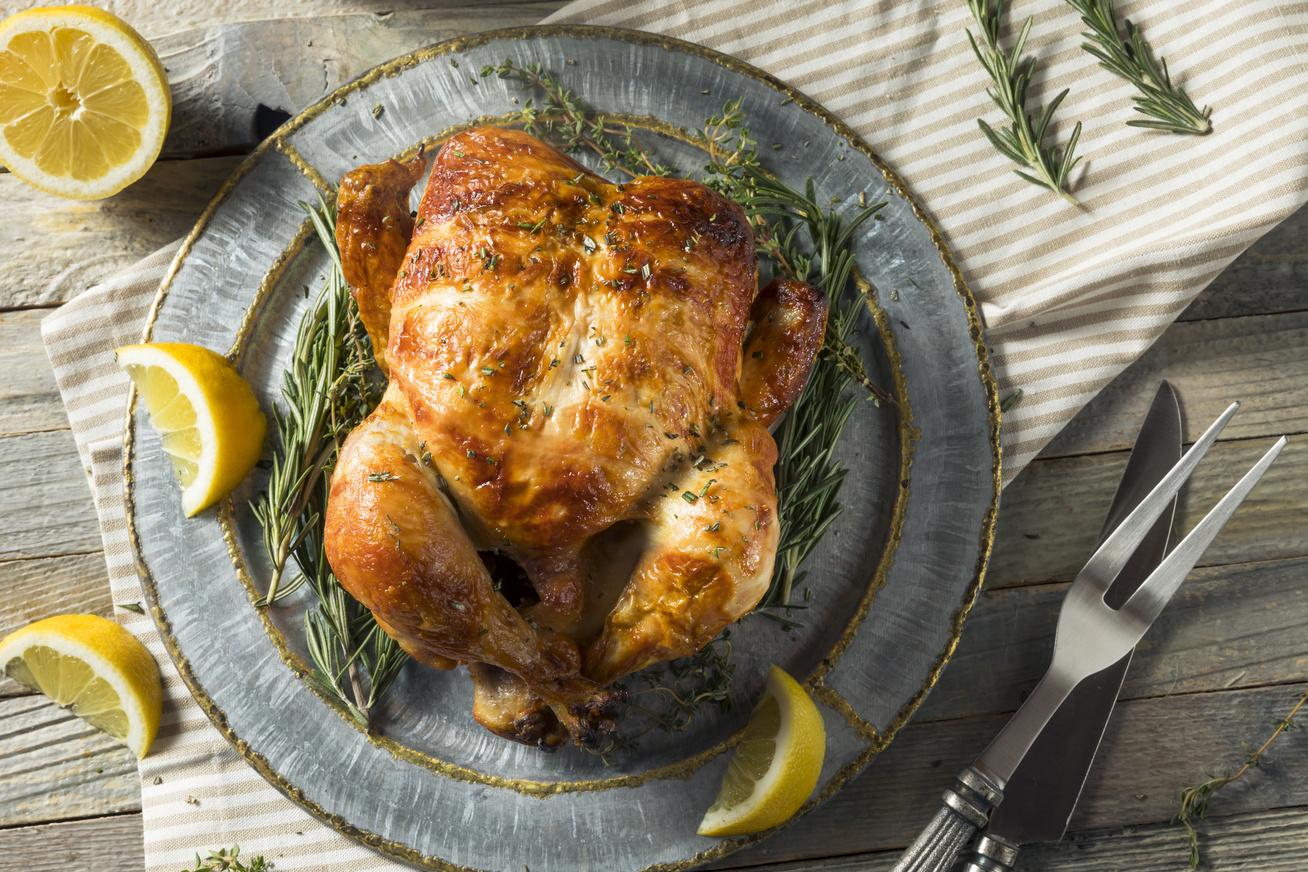 Egészben sült, rozmaringos, citromos csirke: a legtöbben ezeket a hibákat követik el sütés közben