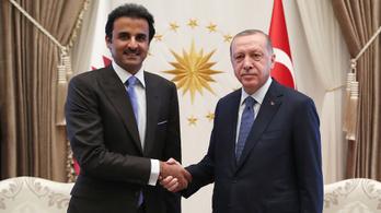Allah helyett Katar mentheti meg Erdogant és a török lírát