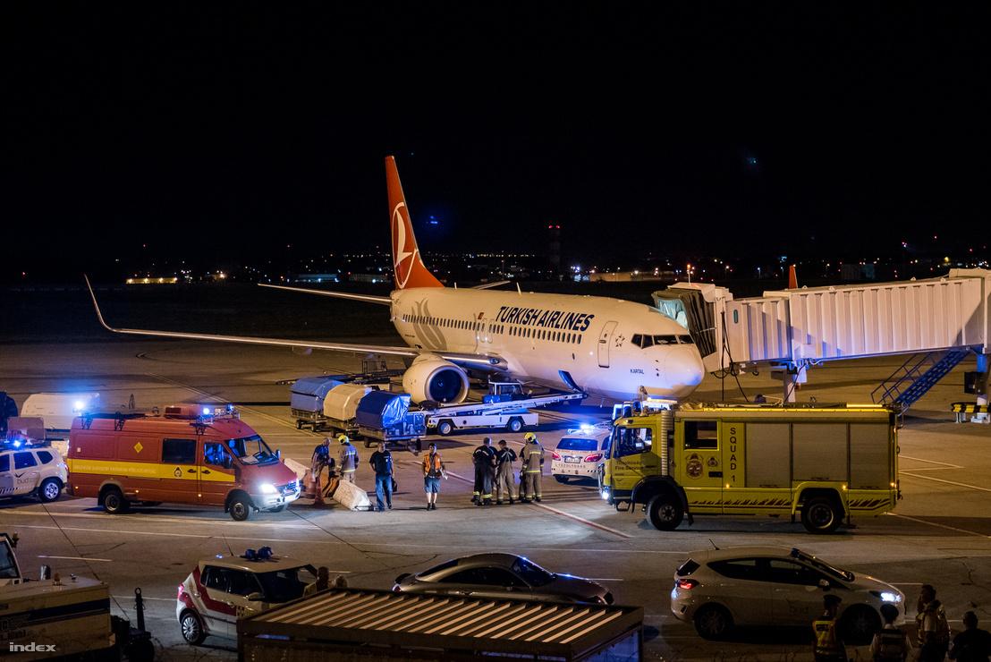 A Turkish Airlines gépét vizsgálja a katasztrófavédelem.