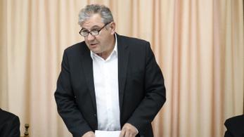 Segélyen fog élni Dömsödi Gábor, és oknyomozó újságíró lesz