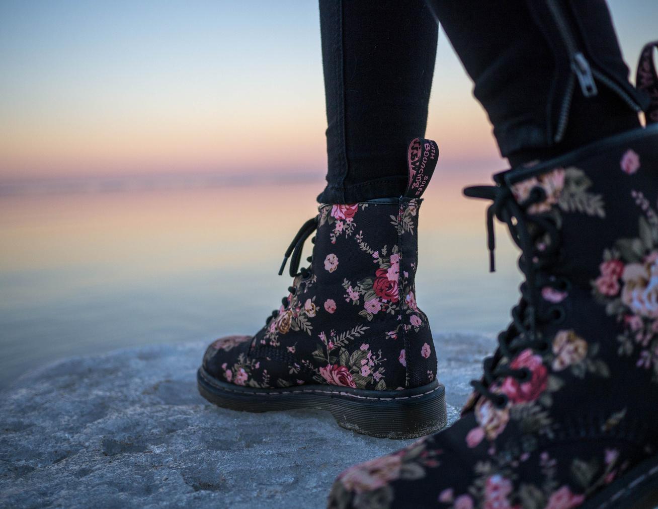 bakancs lábak nő (3)