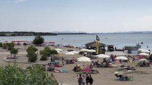 Kilométeres homokos strand és gamplingezés Horvátországban
