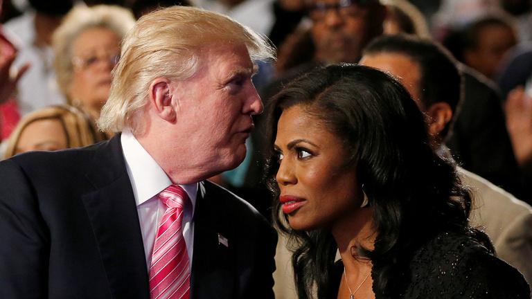 Hallotta, hogy Trump szolit kért a Fehér Házba, aztán megzabált egy papírlapot?
