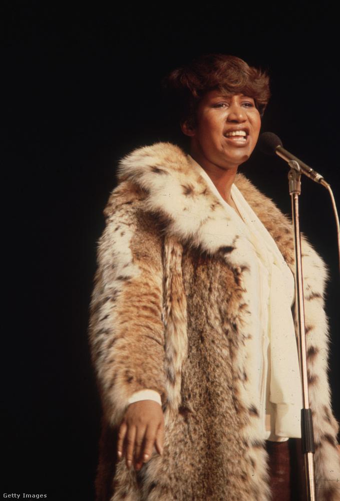 1987-ben az első női előadóként választották be aRock & Roll Hírességek Csarnokába.