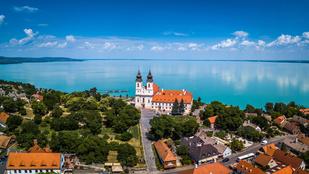 Neked mi jut eszedbe elsőre a Balatonról?