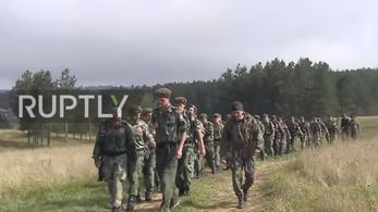 Szerb-orosz katonai kiképzőtábort hoztak létre fiataloknak a Zlatibor-hegységben