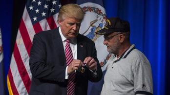 Elhalasztják Trump áhított katonai díszszemléjét