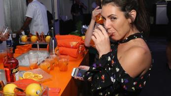 Miért issza mindenki ezt a narancssárga löttyöt?