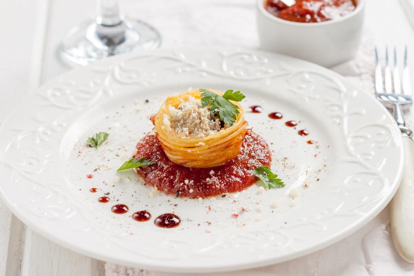 Fűszeres húsgolyók spagettivel, sütőben sütve: így dobd fel az egyszerű fogást
