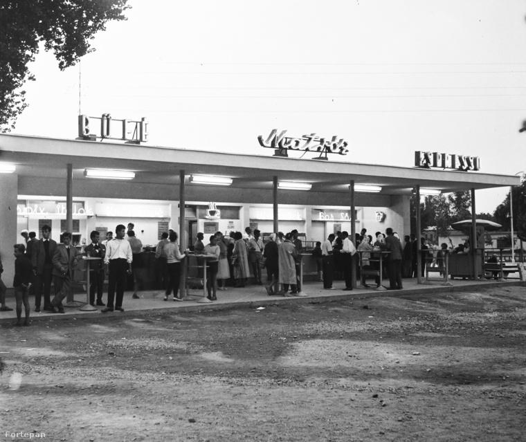 1959, Siófok, Matróz büfé a hajóállomásnál
