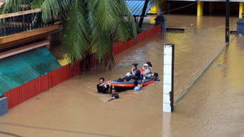 Több száz embert meghalt az árvíz miatt Indiában