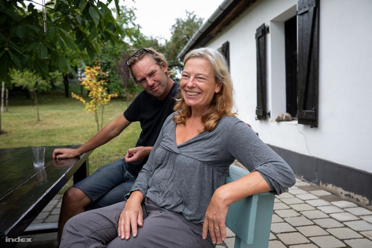 Martijn de Vries volt az a barát, akit nem kellett győzködni, mert amikor az első alkalommal Bedepusztán járt, rögtön házat akart a faluban.