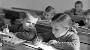 Így jártak iskolába nagyszüleink, szüleink (és mi)