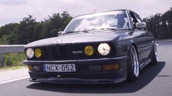 BMW, bőrkesztyű - mi kell még a boldogsághoz?