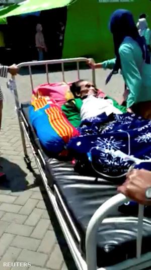 Egy lomboki kórházból evakuált beteg