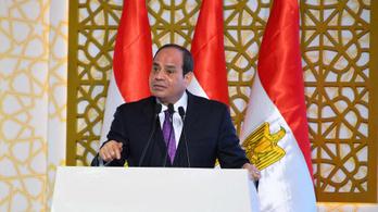 Egyiptom elnöke aláírta a törvényt, amivel leállíthatják a kormánynak nem tetsző oldalakat