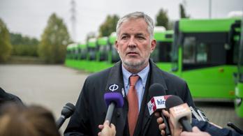 Ritkítják a buszjáratokat Pécsen
