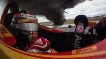 Leborotválta a másik IndyCar-kocsi tetejét Wickens roncsa