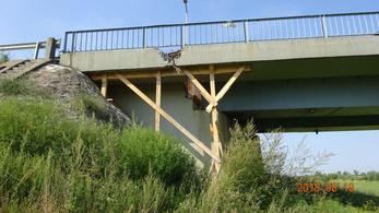Rémisztő állapotban van a Berettyó-híd, alá kellett dúcolni