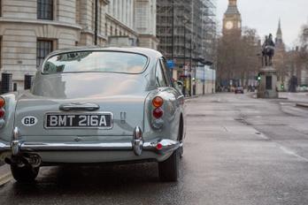 Újra gyártásba kerül James Bond régi Aston Martinja