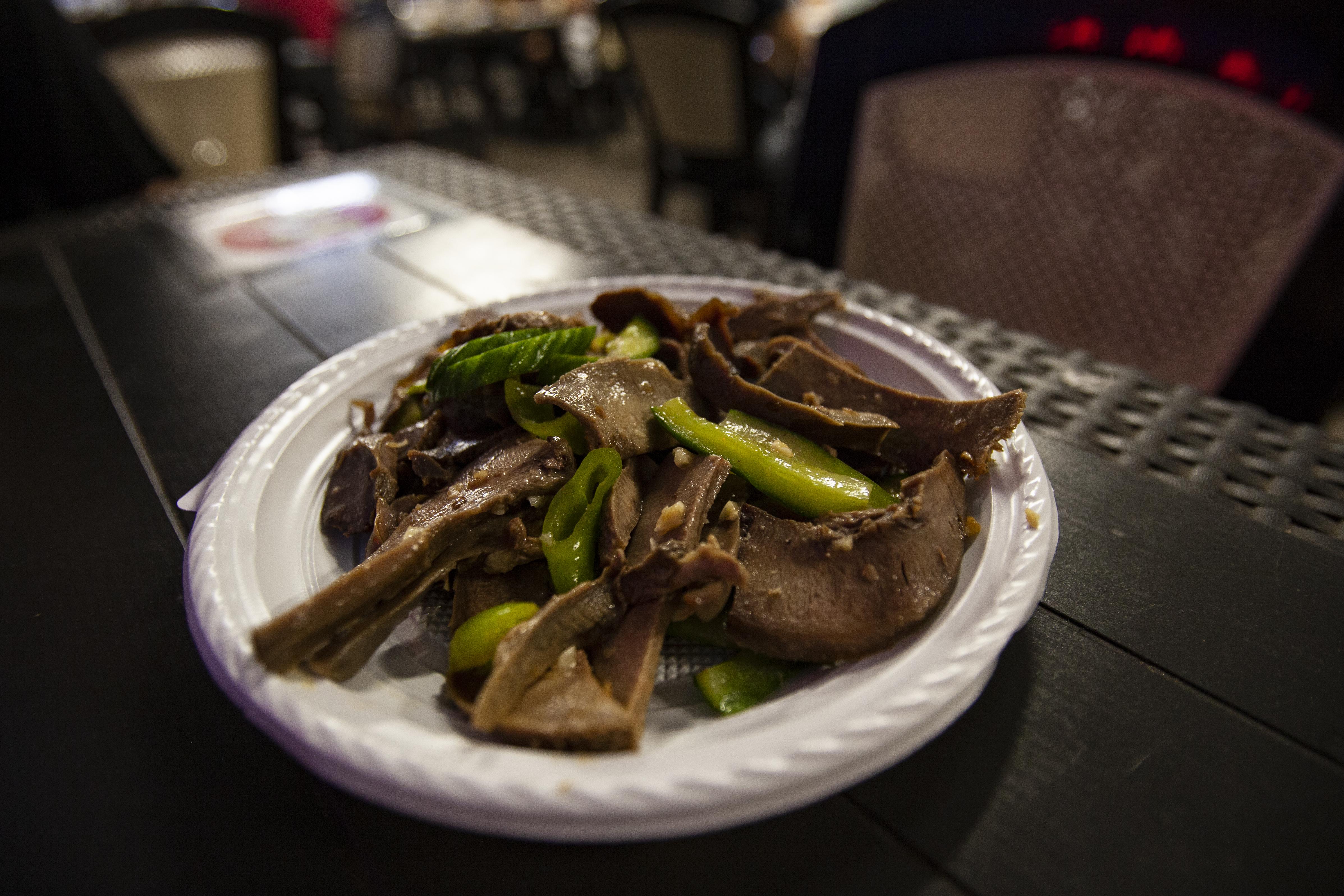 Az este abszolút nyertese, a malacnyelv- és kacsazúza-saláta