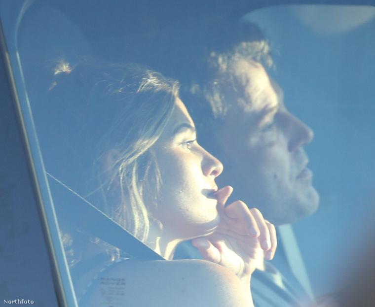 Ami még kényes kérdés lehet, hogy mit szól a kapcsolathoz Affleck volt felesége, Jennifer Garner, aki Lindsay Shookust sem engedte soha a közös gyerekeik közelébe