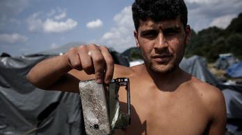 Boszniai aknamezőkön át vezet az út az ígéret földjére