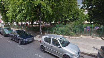 A Honvéd téri játszótéren bukott le az idős pedofil