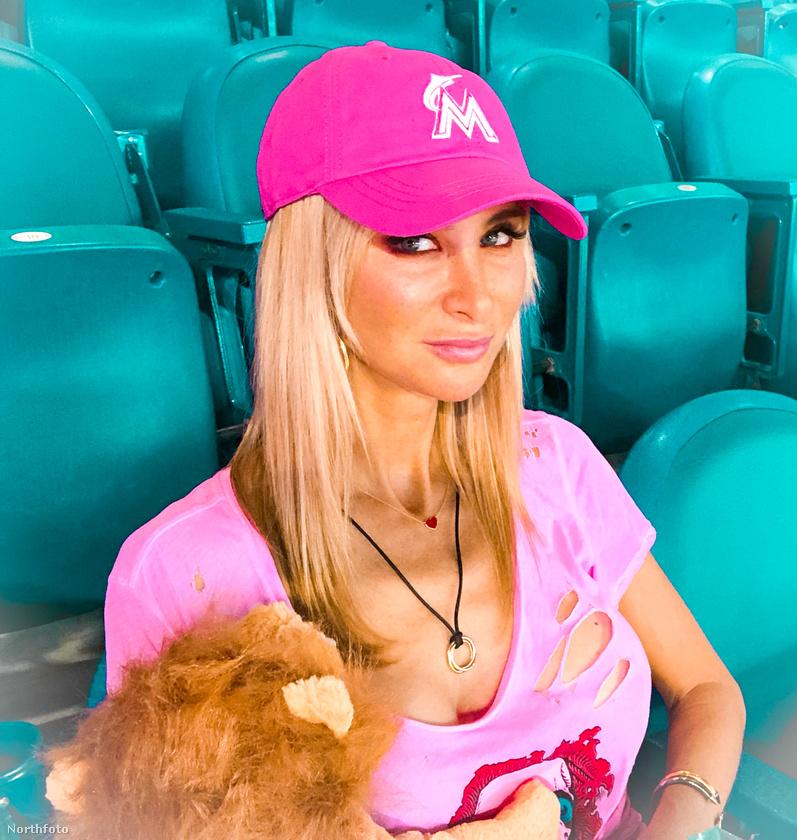 Az olaszországi Veronából származó Cristiana, akármennyire hihetetlen a rózsaszín, csilivili képei alapján, pont ilyen személy