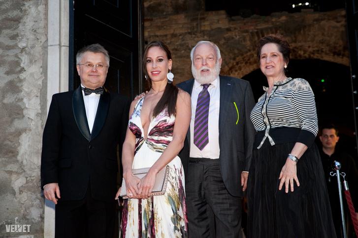 Ómolnár Miklós, a Ripost főszerkesztője 2015-ben Andy Vajnával a Hello! magazin magyar kiadását ünneplő bulin