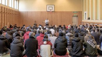 A bevándorlók bűnözésével kampányolnak Svédországban a választások előtt