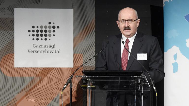 Bankárok reggelije: felére olvadt a legnagyobb magyar kartellügy bírsága