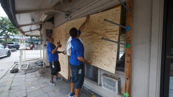 Kifosztották a boltokat Hawaiin a közelgő hurrikán miatt