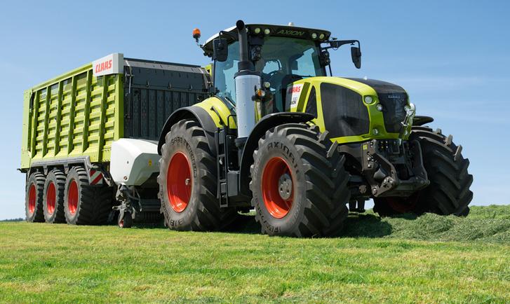 AXION 900 traktor