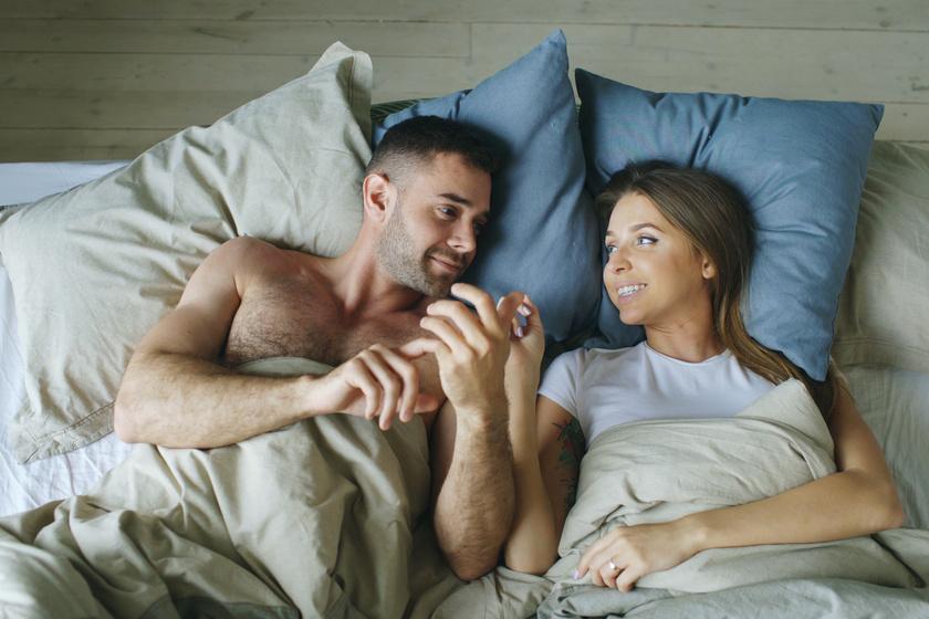 Mit csinálnak a boldog párok elalvás előtt? Nemcsak a telefont kapcsolják ki