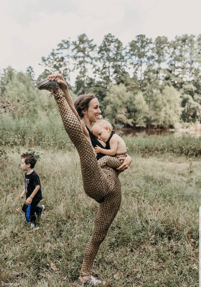 Az első gyerek megérkezésekor az anyuka szülés utáni depresszióval küzdött, és amikor a második baba jött, Benear úgy döntött, hogy megpróbálkozik a jógával, hátha attól jobb lesz