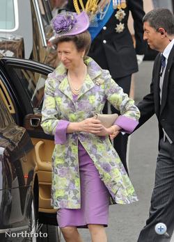 Anna, brit királyi hercegnő, II. Erzsébet lánya, Károly herceg húga, az előző képen látható András herceg nővére