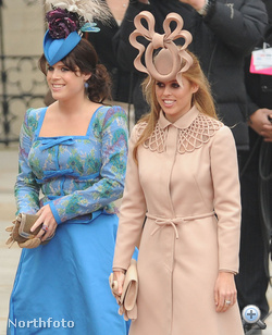 András yorki herceg két lánya. A bal oldalon kékben Eugenie áll, de minket főként Beatrice varázsolt el