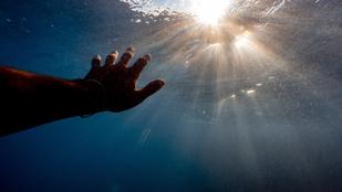 Így néz ki az ember keze, ha 55 órát van a vízben