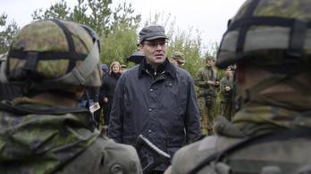 Kiborult a honvédelmi miniszter a finn katonák vegetáriánus kosztja miatt