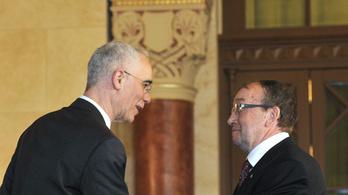 Fideszes képviselő és kormánytanácsadó is volt az MTA-ügyben a kormányt védő tudós