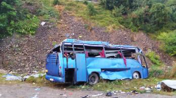 15 halott és 27 sérült egy turistabusz-balesetben Bulgáriában