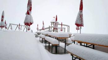 30-40 centiméter hó esett az osztrák Alpokban